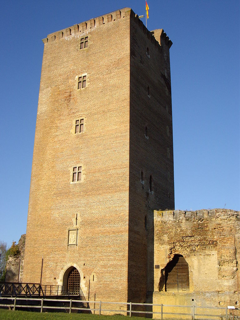Castle of Montaner
