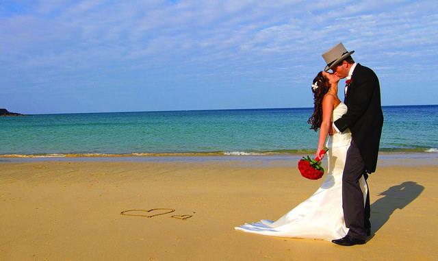 Bride and Groom Beach 2 by outreachr.com (CC BY 2.0)