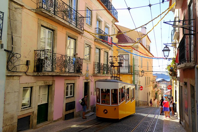 lisbon travel guide Image